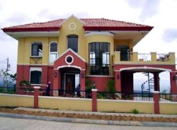 Villa de Mercedes is the best high-end subdivision in Davao City. This exclusive subdivision gives you a magnificent view of the entire Davao City, Samal Island, the blue waters of Davao Gulf, and the famous Mt. Apo.