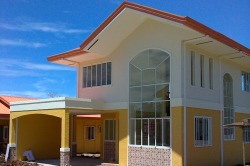 Santiago Villas is a low cost to middle class subdivision in Catalunan Grande, Davao City. This housing in Davao has affordable bungalow houses and 2 storey houses for sale; can be thru Pag-ibig, in-house, or bank financing.